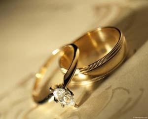 Надпись на кольцо может быть нанесена вручную, с помощью гравировального  станка или травлением кислотами. 7882f0f99fa